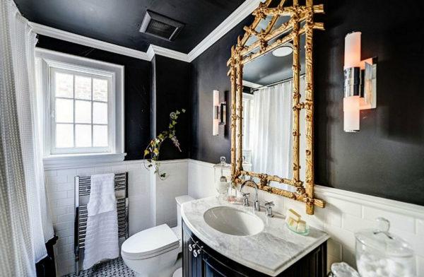 зеркало в черно-белой ванной