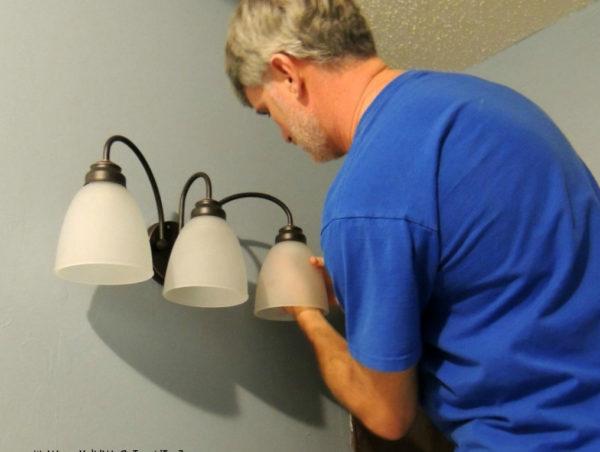 меняем освещение в ванной