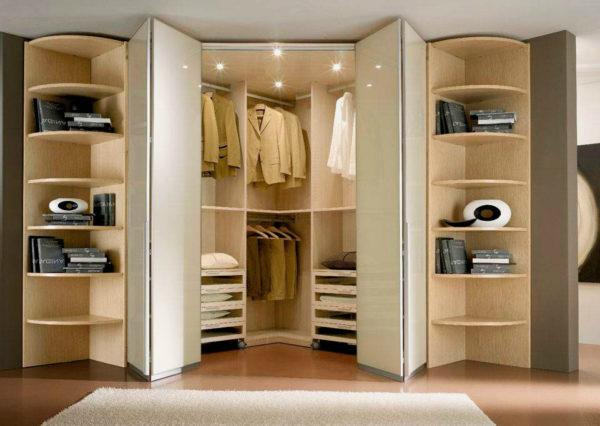 двери в гардеробной
