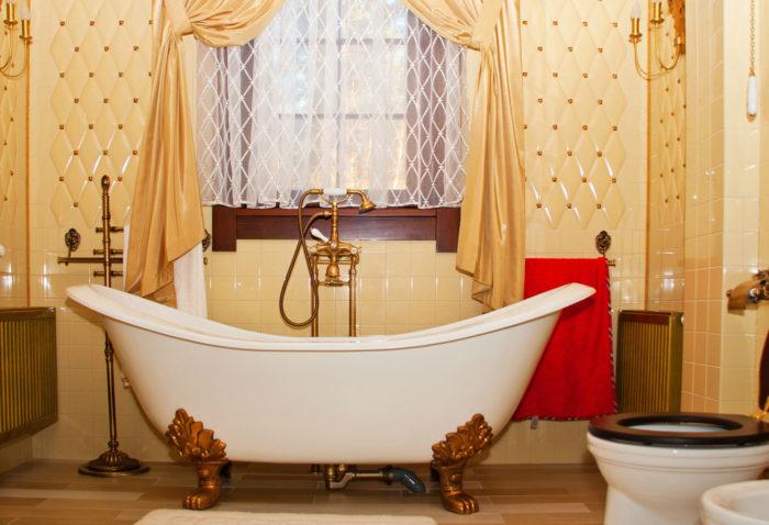 Ванная комната в стиле будуар