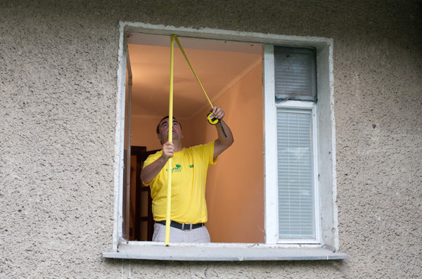 Делаем точный замер окна