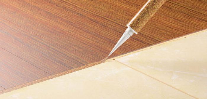 Чем заделать стык между разными напольными покрытиями