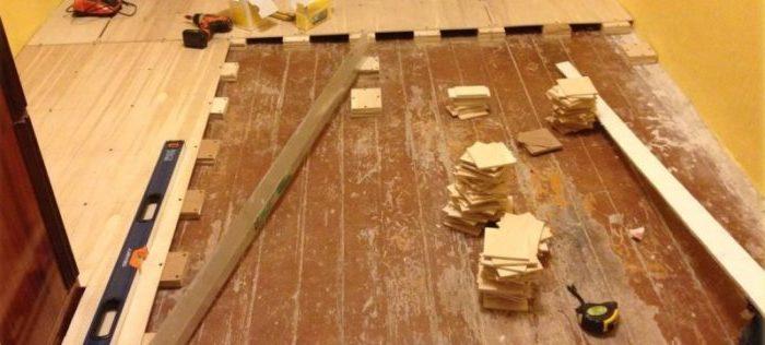 Монтаж ОСБ на пол из деревянный досок