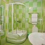 Зеленая ванная в интерьере