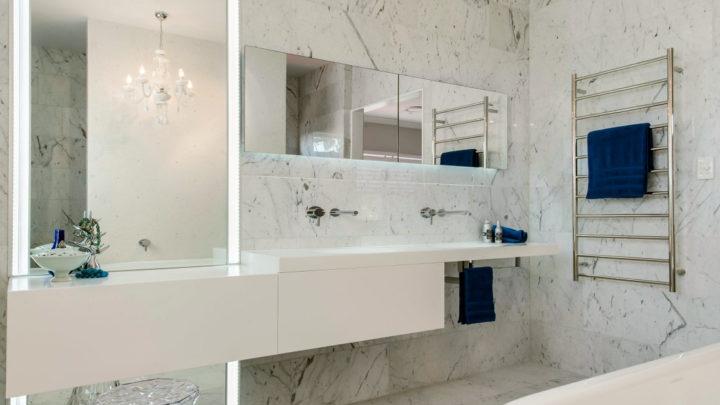Белая ванная комната: дизайн и фото