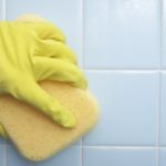 Плесень в ванной: как избавиться